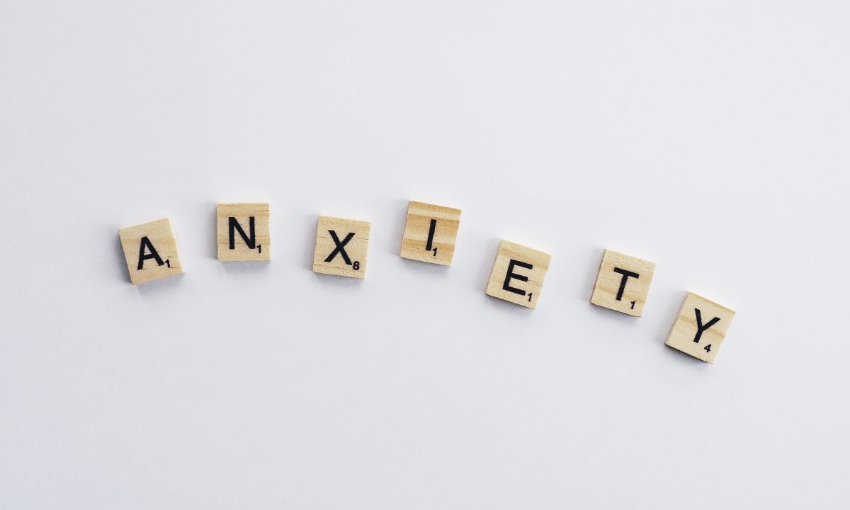 How to Deal With Anxiety Without Medication: Tips + Tools